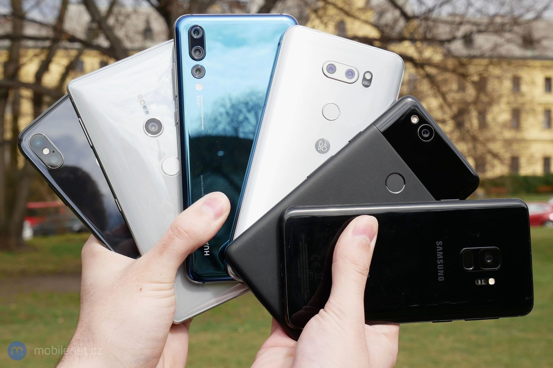 Apple iPhone X, Google Pixel 2, Huawei P20 Pro, LG V30, Samsung Galaxy S9 a Sony Xperia XZ