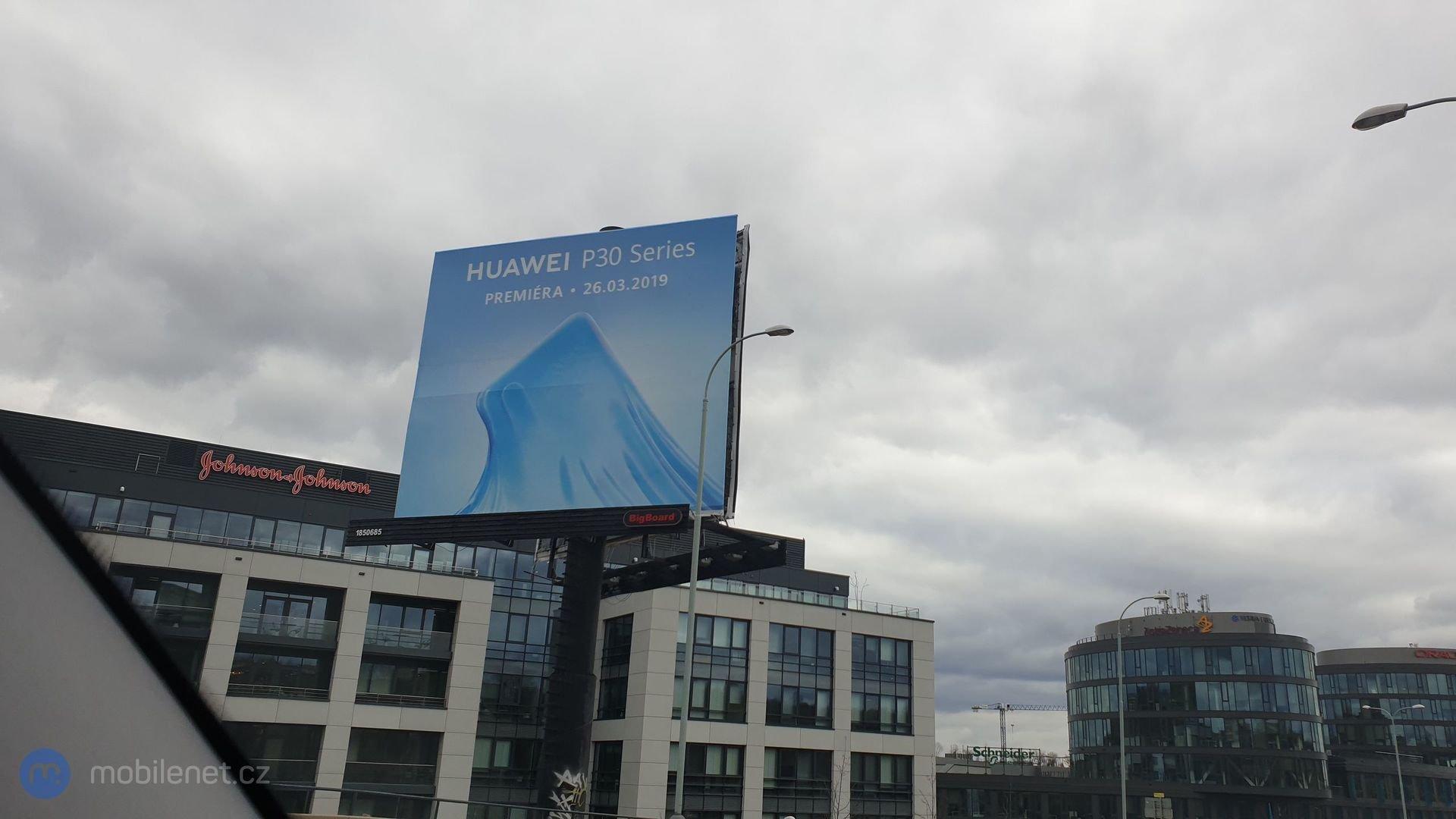 Huawei P30 billboardy