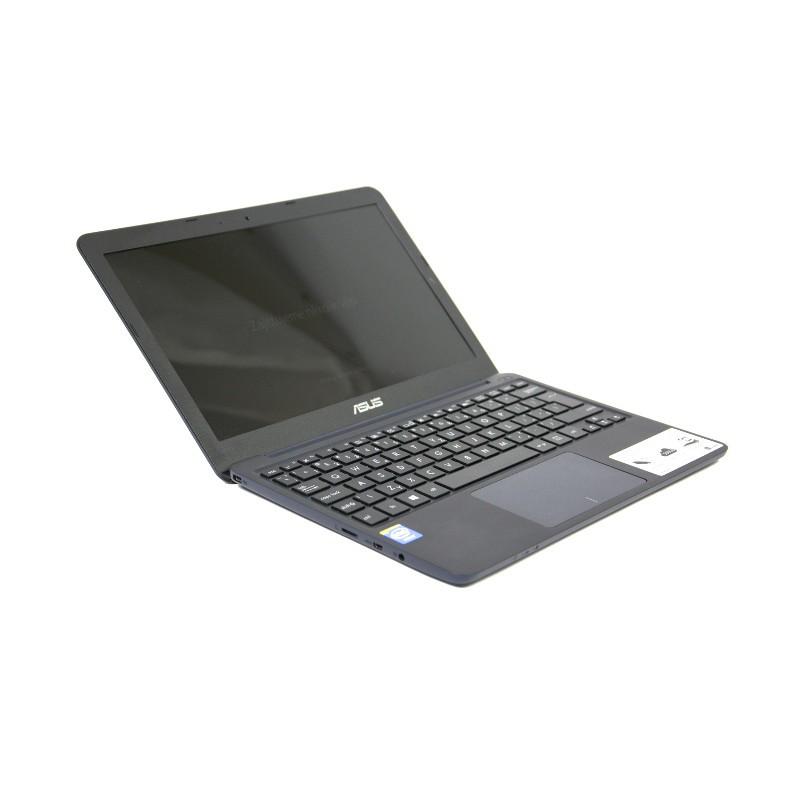 Asus X205