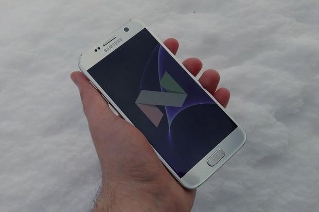 Samsungy Galaxy S7 budou opět dostávat čtvrtletní bezpečnostní aktualizace