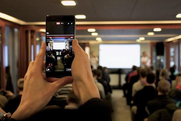 Vyzkoušejte si nové Samsungy nebo Huawei na #mobileDrinku 11