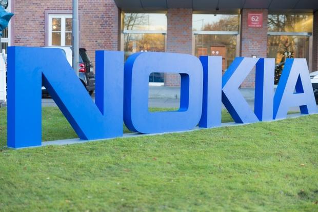 Nokia oživí značku XpressMusic. Čekejte obyčejný černo-červený telefon