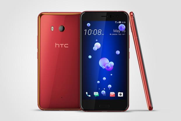 HTC U11 dorazí v letní červené barvě. Podívejte se, jak mu to sluší
