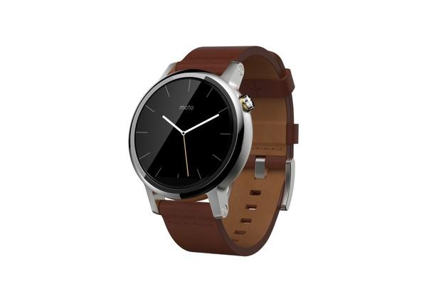 Chytré hodinky Moto 360 (2015) získávají Android Wear 2.0