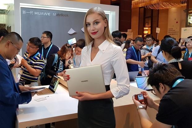 V Šanghaji jsme vyzkoušeli nové MateBooky X a E od Huawei