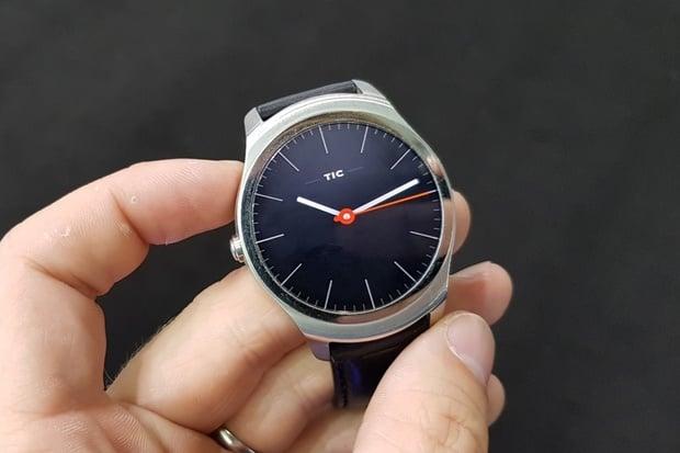 Elegantní a levné hodinky pro Android i iOS? Máme pro vás tip