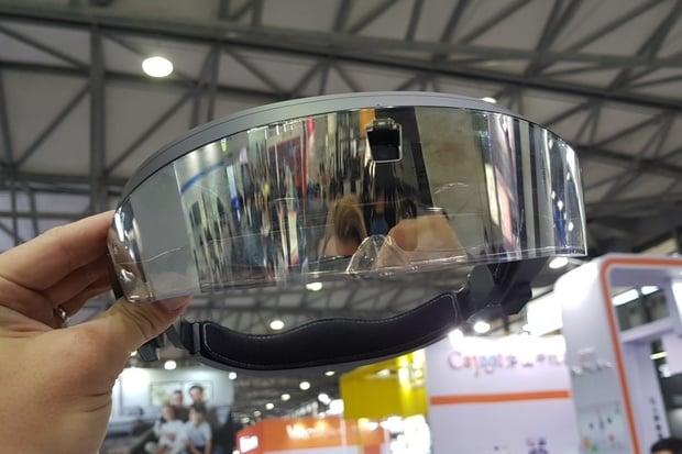 VR už je nuda, výrobci se nyní snaží dohnat Microsoft HoloLens