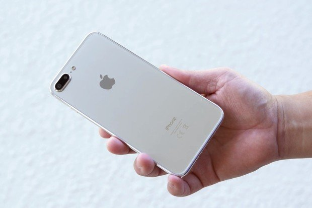 O2 zahajuje předobjednávky nových iPhonů 8 a 8 Plus i Apple Watch 3