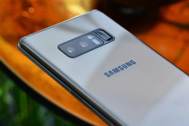 Samsung Galaxy Note8 se bude prodávat ve verzi Dual SIM jen ve volném prodeji