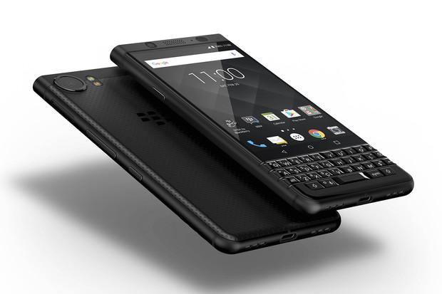 BlackBerry KEYone Black Edition míří do ČR. Prodraží se jen nepatrně