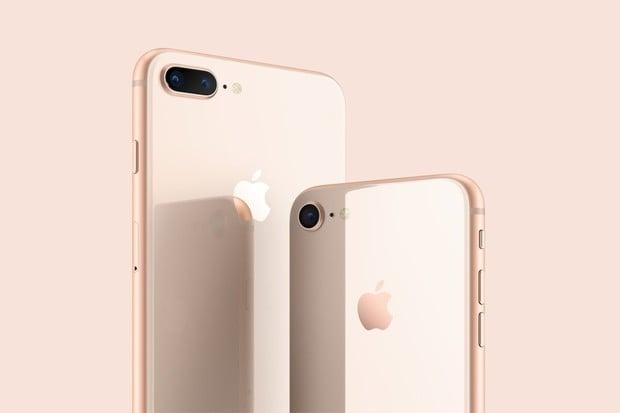 Apple představil iPhony 8 a 8 Plus. Jsou hezčí a výkonnější, ale také křehčí