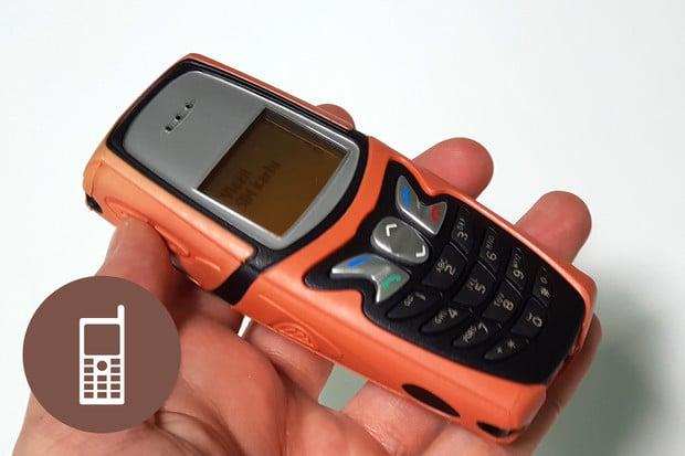 Retro: Nokia 5210 – odolná Finka, kterou jste si mohli převléknout