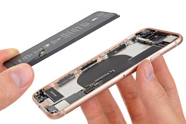 Apple si vykoledoval 11miliardovou pokutu za omezování výkonu iPhonů