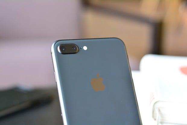 Apple snižuje produkci iPhonů 8 o 50 %, čeká se na iPhone X