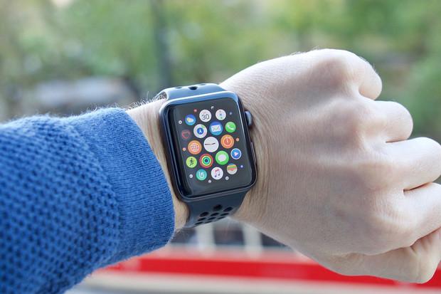 """Apple testuje """"pohyblivou"""" baterii s haptickou odezvou"""