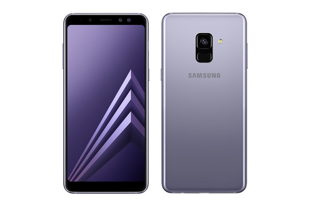 V Česku se dočkáme pouze menší paměťové varianty Galaxy A8. A8+ nebude vůbec