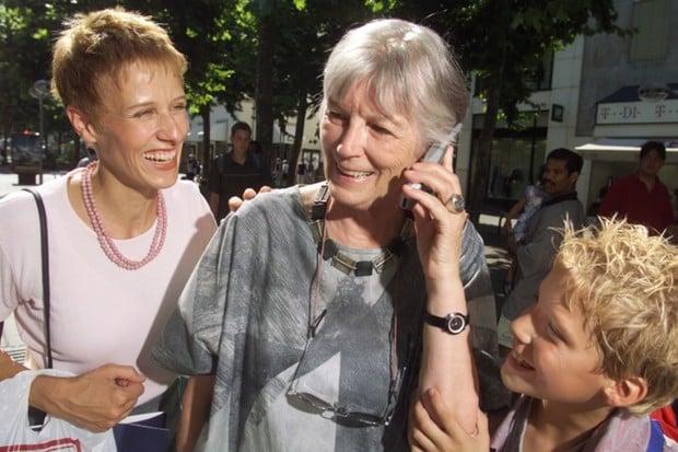 Datové tarify má v ČR přes 150 tisíc starobních důchodců, říká průzkum