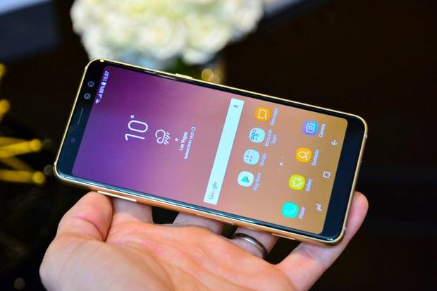 Samsung Galaxy A8 naživo: Infinity displej ve střední třídě