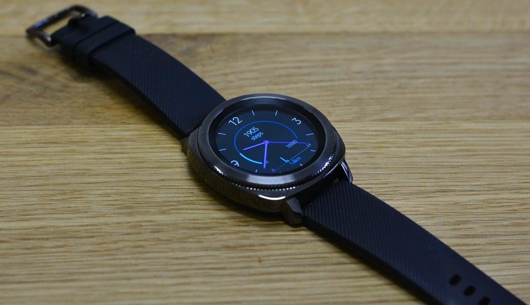 d6e034e5b Recenze Samsung Gear Sport – Chytré hodinky do bazénu i k obleku ...