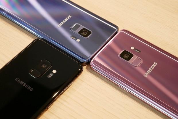 Samsungy Galaxy S9 a S9+ naživo: úžasný fotoaparát ve známém těle