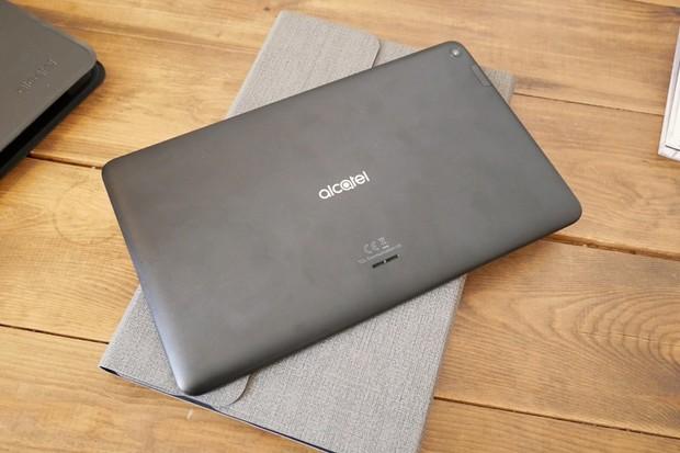 Podívali jsme se na levný 10palcový tablet Alcatel 1T s Bluetooth klávesnicí