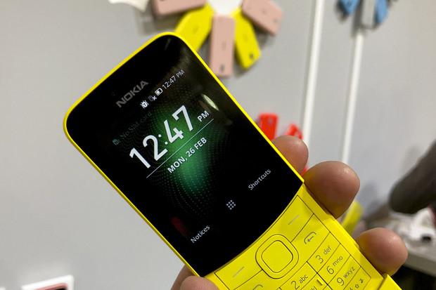 Revitalizovaná Nokia 8110 se systémem KaiOS možná udá směr hloupým telefonům