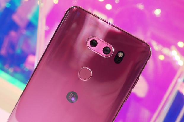 Vylepšená V30s od LG jde v Jižní Koreji do prodeje, známe cenu
