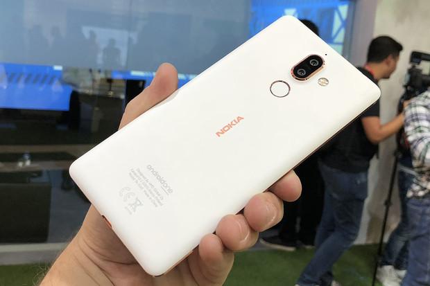 První dojmy z Nokie 7 Plus: překvapivě povedený smartphone s nádherným designem