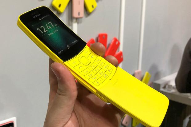 Banán naživo z MWC 2018: Nokia 8110 z Matrixu se vrací