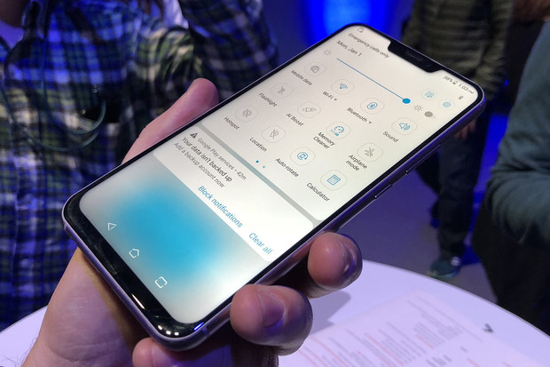 ASUS ZenFone 5Z nám dokázal vyrazit dech a konkurenci smést ze stolu