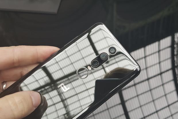 Budoucí smartphony Huawei nabijete bleskurychle i bezdrátově