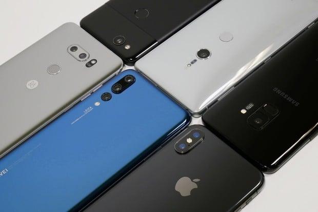 Samsung klesá, Apple stagnuje. V prodejích se nahoru dere Huawei a Xiaomi