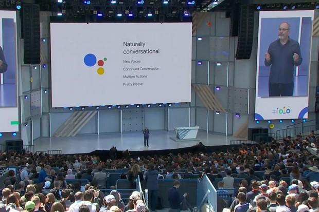 Google Asistent dostane nové hlasy a objedná vás třeba ke kadeřníkovi