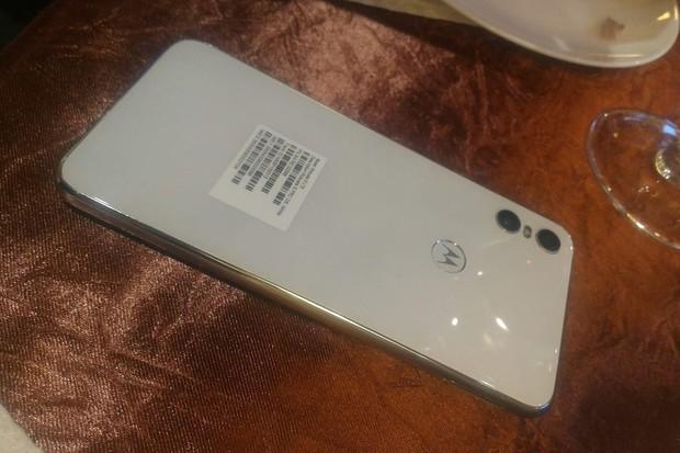 Motorola chystá další novinku zvanou One, unikla také v bílé variantě
