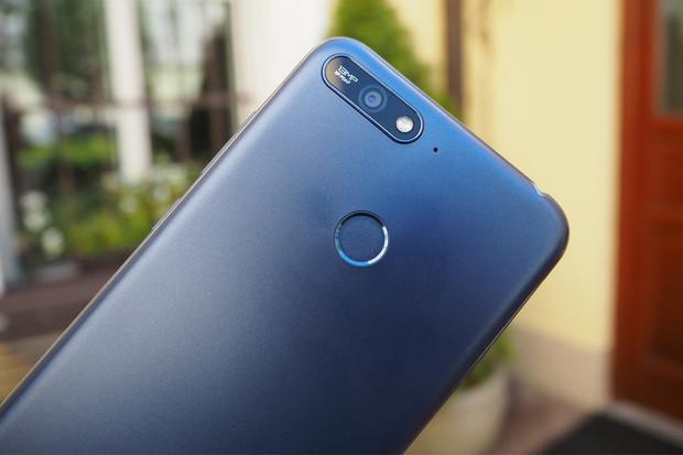 Huawei Y6 Prime (2018) nabízí slušný poměr mezi cenou a výkonem