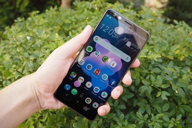 Vymodlená aktualizace s Androidem 9 již dorazila i na HTC U12+, ale ne bez problémů