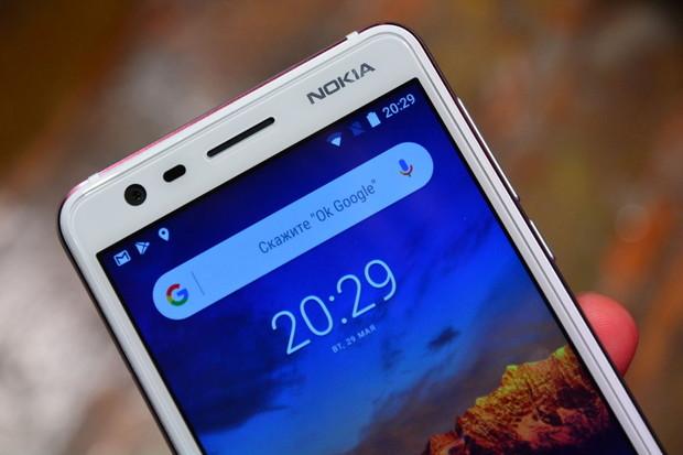 Zbrusu nová Nokia 3.1 v redakci. Začínáme ji testovat