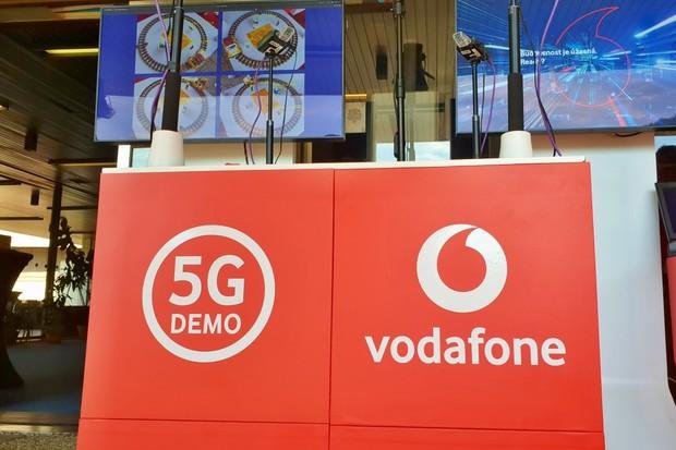 Vodafone v Karlových Varech ukázal 5G, sviští rychlostí 1,8 Gb/s