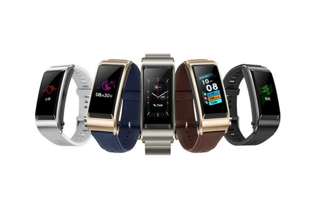 Huawei TalkBand B5 se představuje. Jde o chytrý náramek a Bluetooth sluchátko v jednom