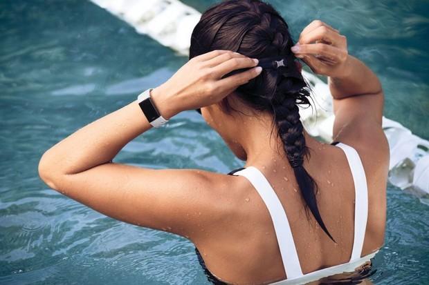 Fitbit Charge 3 Special Edition je prvním chytrým náramkem, se kterým v ČR zaplatíte