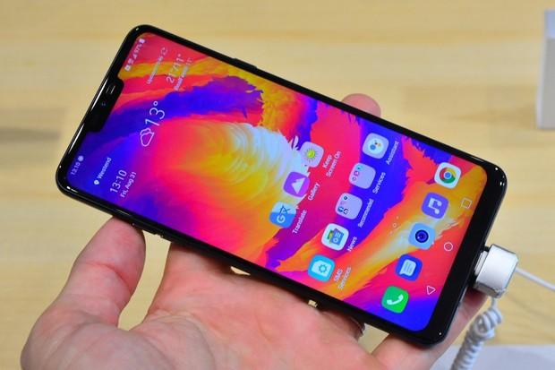 LG G7 Fit se již prodává na českém trhu. Cenou příjemně překvapí
