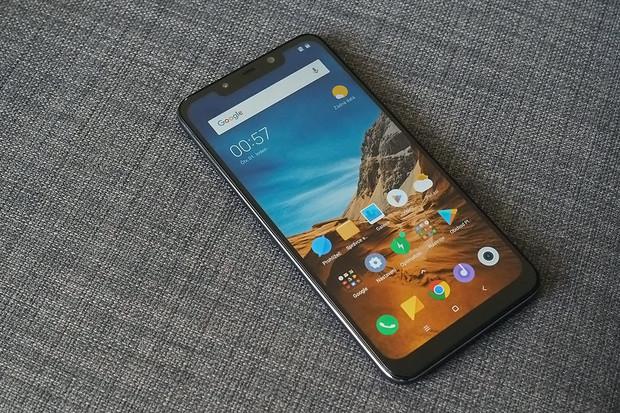 Xiaomi slaví. Prodalo 700 tisíc kusů Pocophonu F1