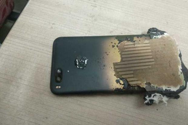 Podívejte se, jakou nadělala výbušná nátura Xiaomi Mi A1 paseku