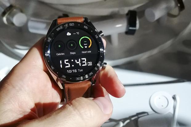 Chystají se varianty Huawei Watch GT