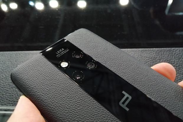 Luxus, za který se platí: Huawei Mate 20 RS je Porsche mezi smartphony