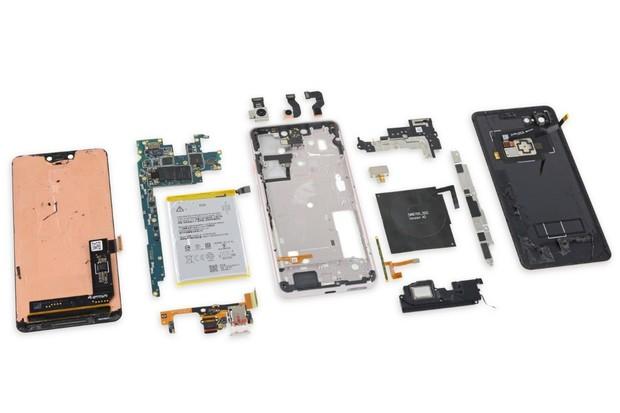 Google Pixel 3 XL rozebrán. Displej pro letošní rok dodal Samsung