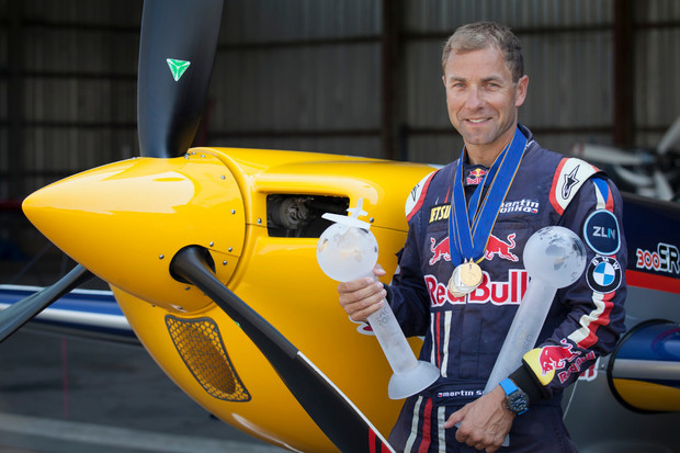 Přečtěte si exkluzivní rozhovor s předním sportovním pilotem Martinem Šonkou