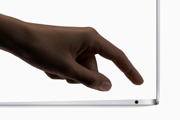 Dostupný MacBook Air? Ale kdeže! Základ za 36, vrcholná varianta za 78 tisíc