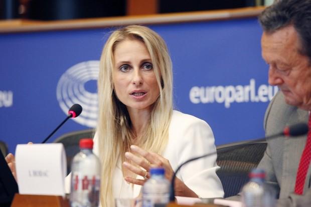 Operátoři se až 100× zisku nechtějí vzdát, žalují u Evropského soudu