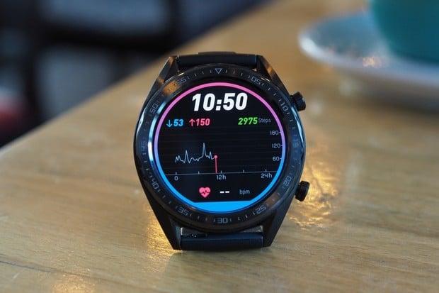 Aktualizace Huawei Watch GT přinesla nejen češtinu, ale i užitečný Always on Display